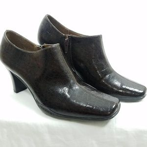 Aerosoles size 9 Ankle Boots Brown Square Toe
